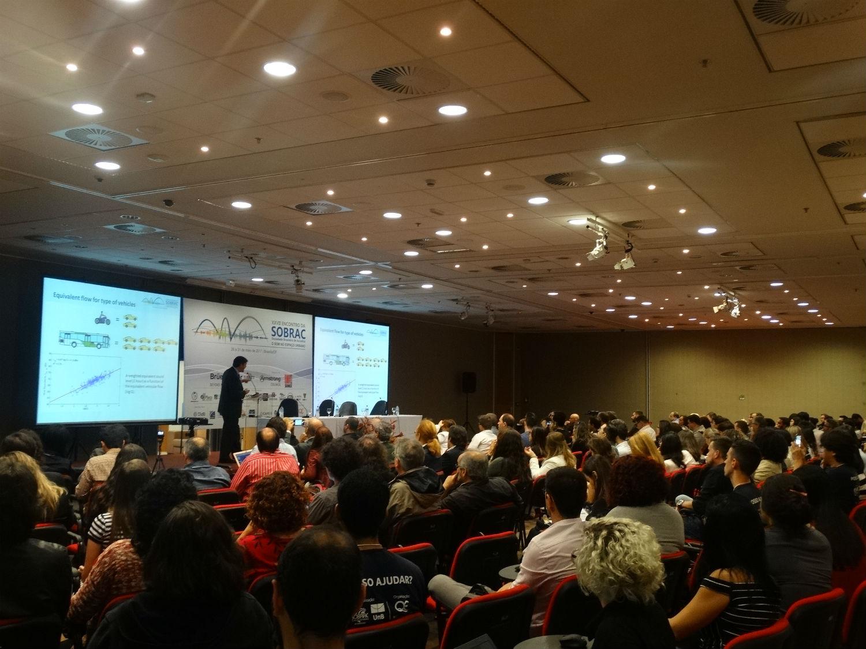 Dr. Jorge Arenas expone en Encuentro de la Sociedad Brasilera de Acústica